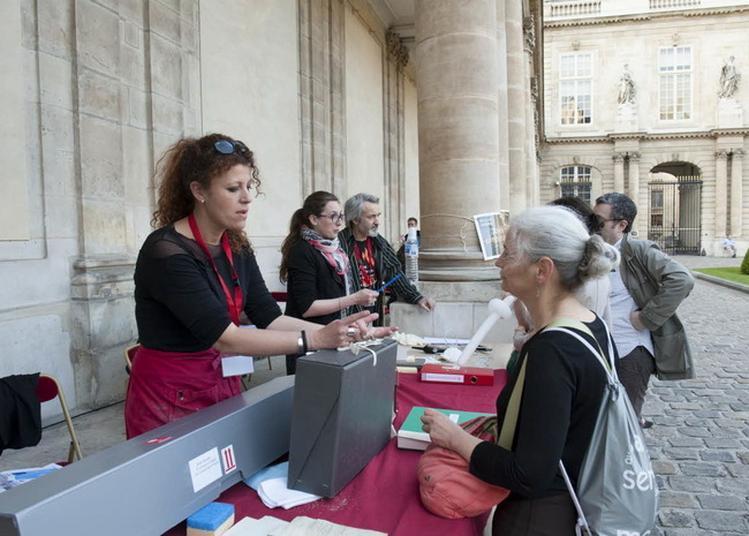 La Conservation Préventive Aux Archives Nationales à Paris 4ème