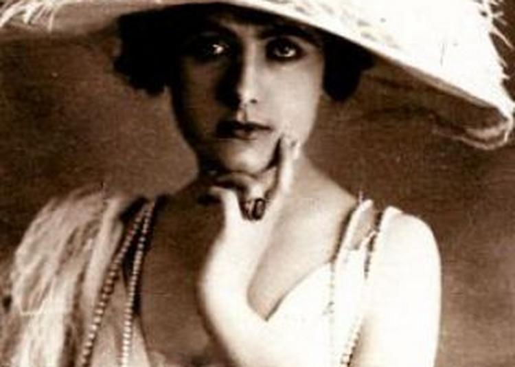 La Contessa Sara - 1919 à Paris 13ème