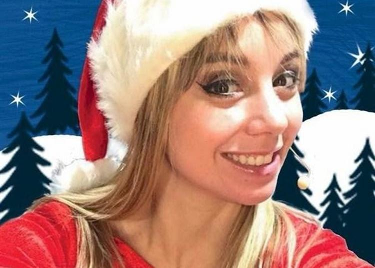 La Fille Du Père Noël En Mission à Saint Etienne