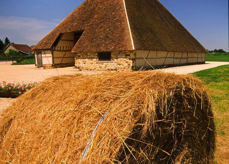 La Grange Pyramidale Ouvre Ses Portes... à Vailly sur Sauldre