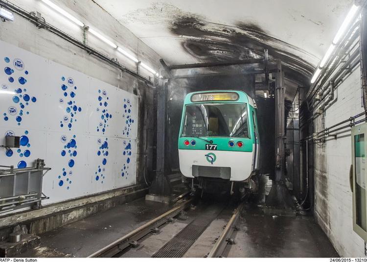 La Machine À Laver Du Métro De La Ligne 7 à Ivry sur Seine