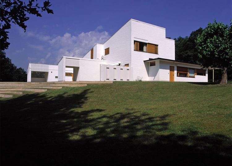 La Maison Louis Carré D'alvar Aalto à Vezelay