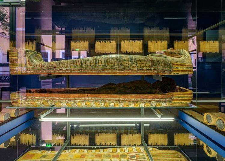 La Restauration Des Oeuvres D'art. L'exemple De L'exposition Pharaon, Osiris Et La Momie à Aix en Provence