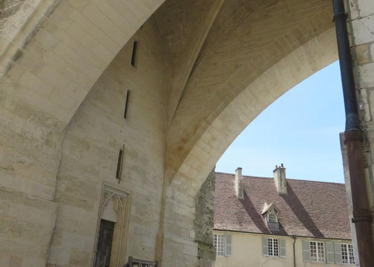 La Salle Haute Du Pilier Butant à Bourges