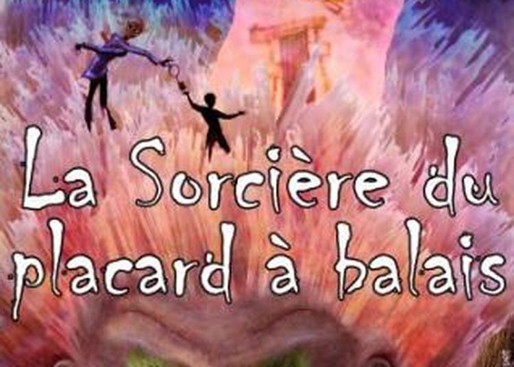La Sorciere Du Placard A Balai -  La Cie et son personnel de bord à Lyon