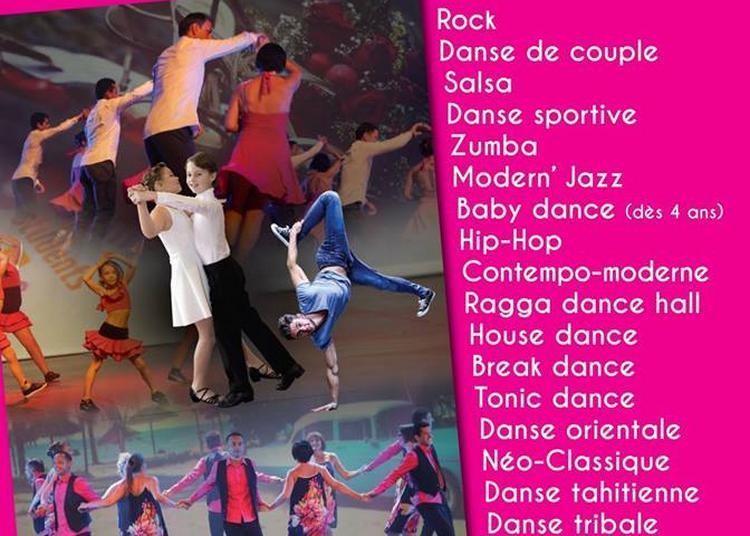 Démonstration de danse par La Table des Matières à Caen