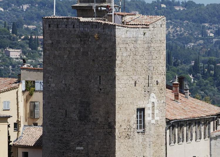 La Tour De L'évêché à Grasse