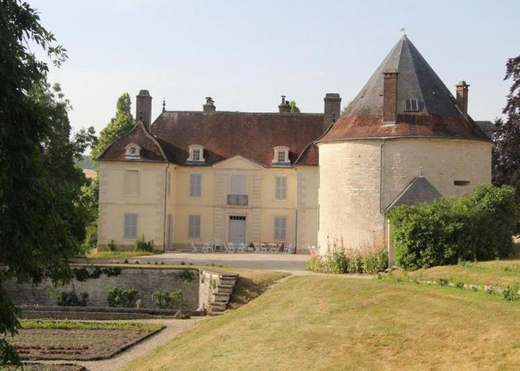 La Tour De Villars à Villars en Azois
