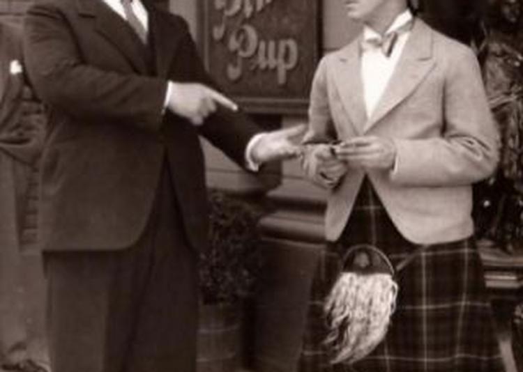 Laurel & Hardy Les Deux Détectives à Paris 13ème