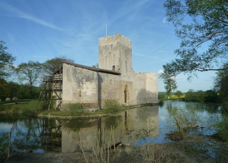 Le Château De Gombervaux à Vaucouleurs