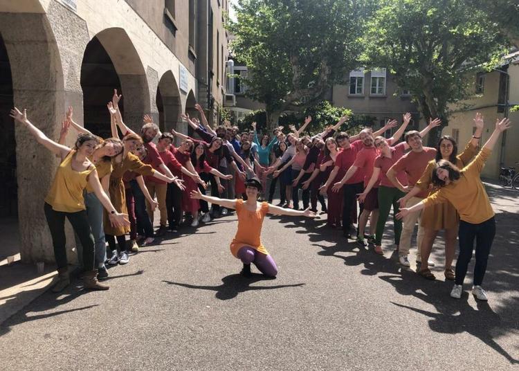Le choeur des Phonies Polies avec Tao Musso, choeur de chants du monde à Evian les Bains