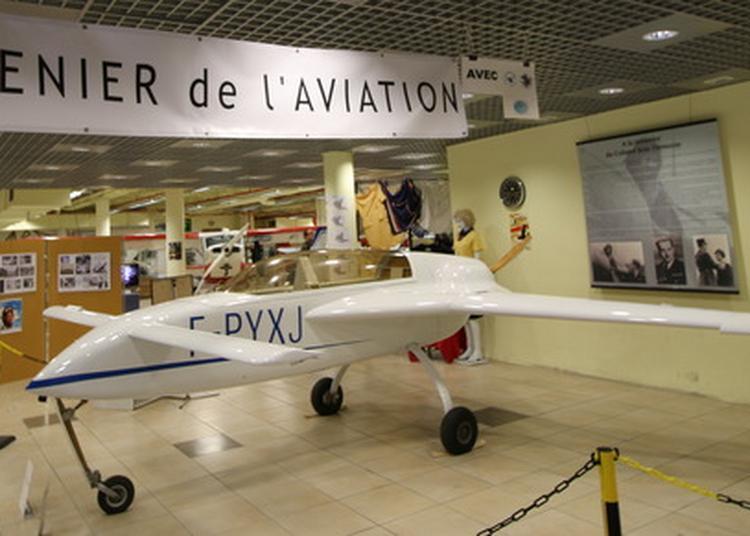 Le Grenier De L'aviation Rend Hommage à Michel Coiffard à Saint Herblain