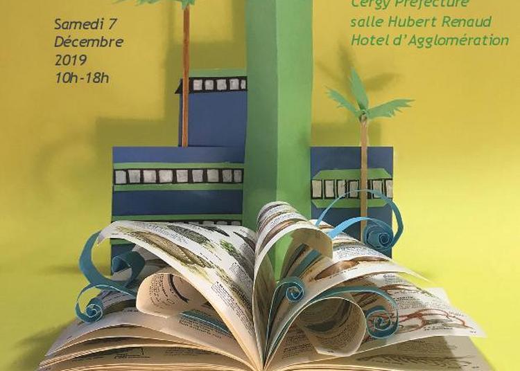 Le petit salon du livre jeunesse à Cergy