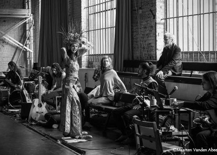 Le Poète aveugle de Jan Lauwers et Needcompany à Paris 20ème