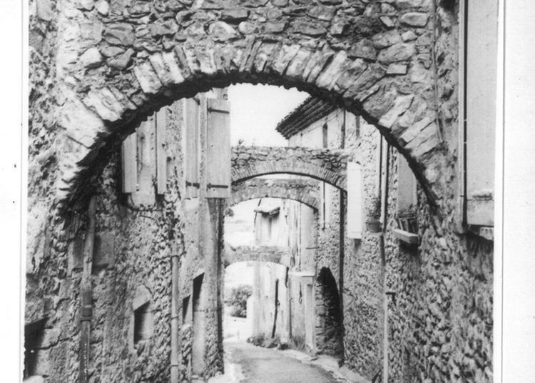 Le Vieux Village, Perché Autour Du Château à Livron sur Drome
