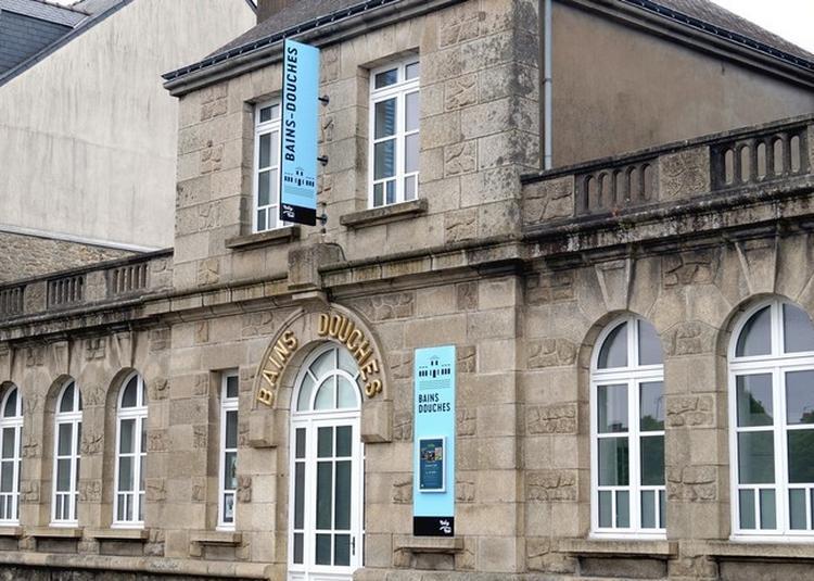 Les Bains Douches : Exposition Collective D'artistes Contemporains à Pontivy