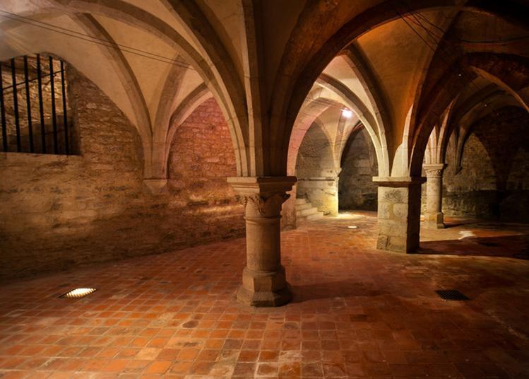 Les Caves De L'hôtel De Ville à Neufchateau