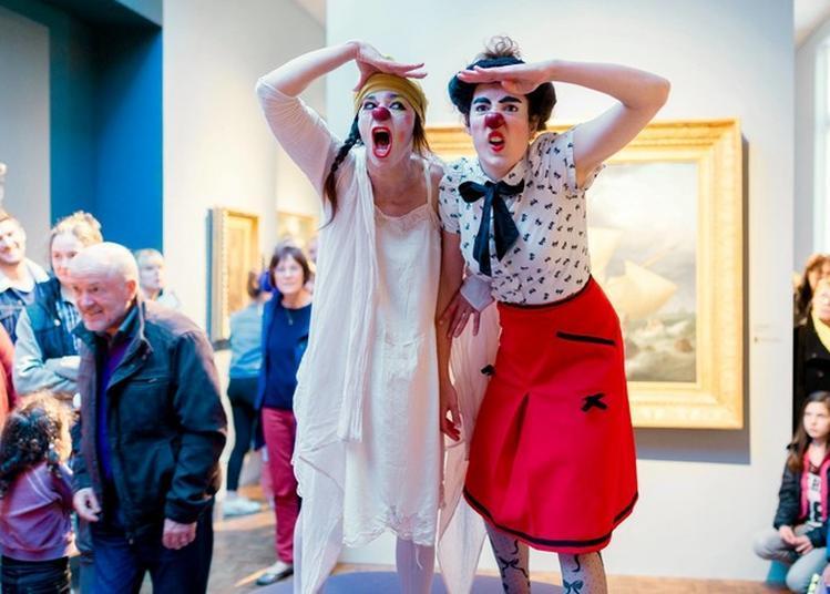 Les Clowns Au Musée à Baud
