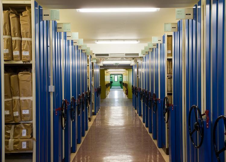 Les Coulisses Des Archives à Bourges
