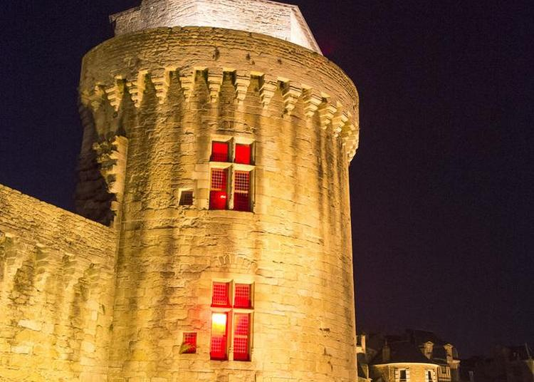 Les Fortifications En Nocturne à Vannes