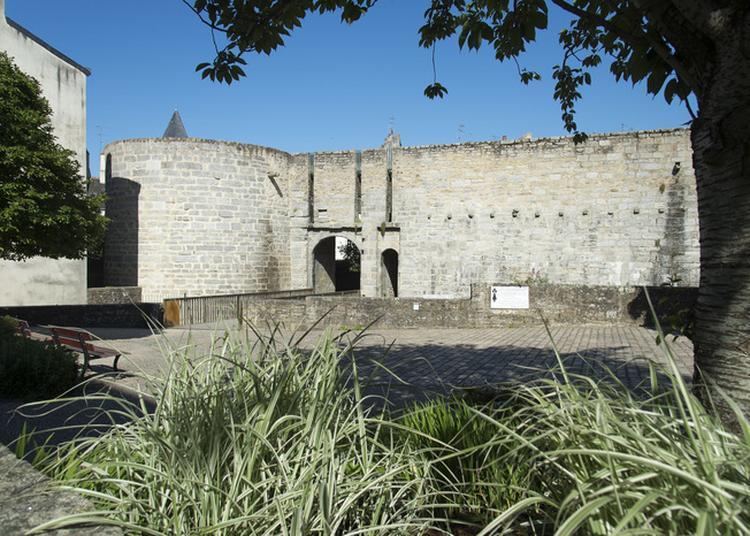 Les Interdits Des Fortifications. De Portes En Tours... à Vannes