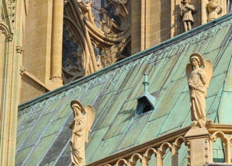 Les Matériaux D'une Cathédrale : De L'âge De Pierre à L'âge Du Fer à Metz