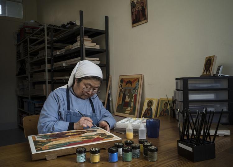 Les Moines Ouvrent Leur Atelier D'icônes à Strasbourg