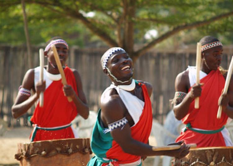 Les Tambours Du Burundi à Noisy le Sec