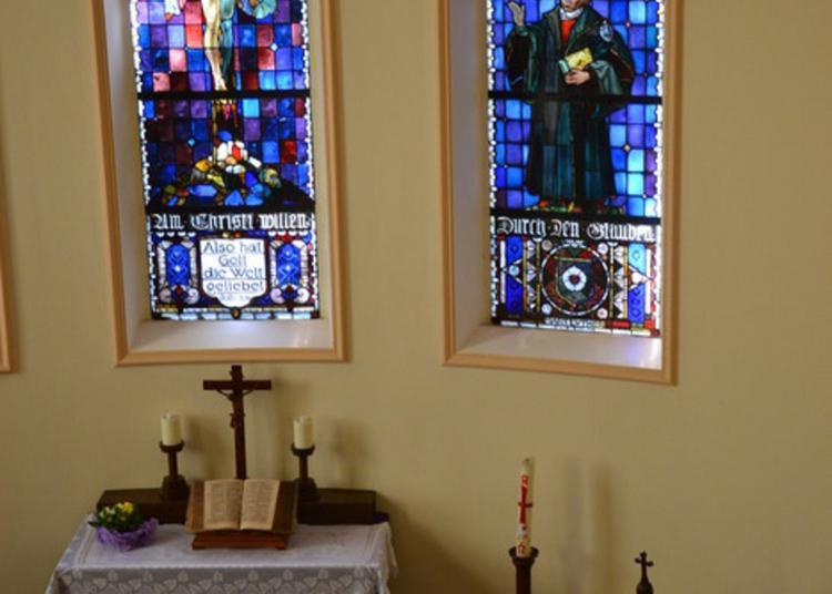Levez Les Yeux Et Découvrez Un Peu D'histoire Et Du Sens Pour La Vie à L'église De La Croix. à Strasbourg