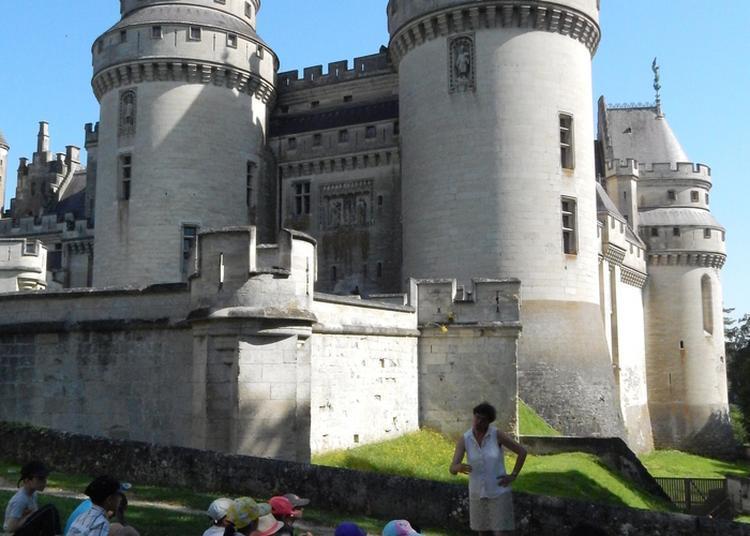 Levez Les Yeux ! Parcours Thématique « Quand Viollet-le-duc Rebâtit Un Château-fort » à Pierrefonds