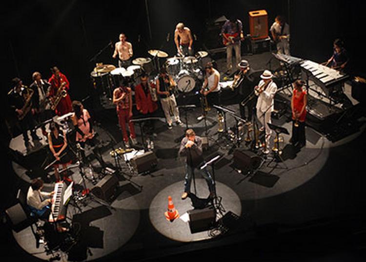 Loïc Lantoine et The Very Big Experimental Toubifri Orchestra à Foix