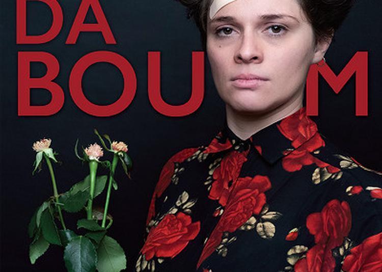 Lucie Carbone Dans Badaboum à Paris 11ème
