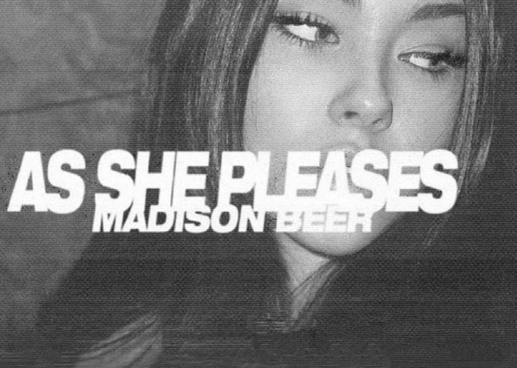 Madison Beer à Paris 10ème