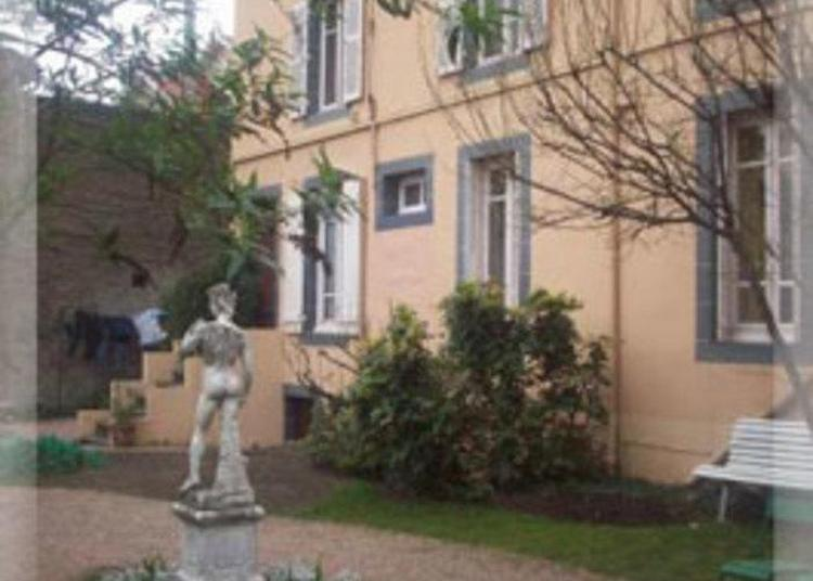 Maison Charbaymond, De 1895 à Nos Jours, De Ferme à Néo Xviiie Siècle à Clermont Ferrand