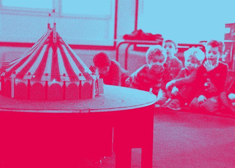 Manège et foins de cirque à La Courneuve