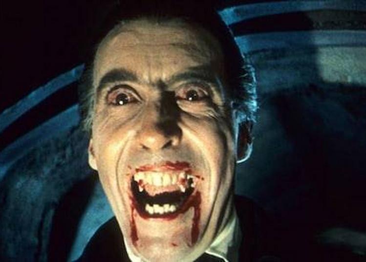 Marc Roger Lit Dracula De Bram Stoker à Paris 5ème