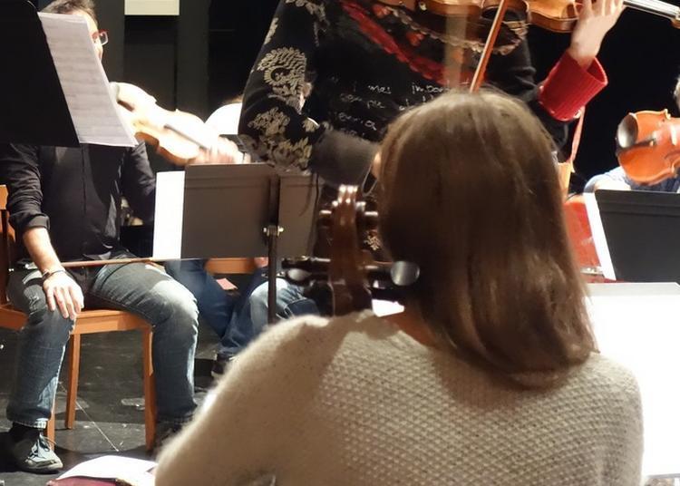 Marie Cantagrill Et Ses Musiciens En Répétition Publique à Taurignan Vieux