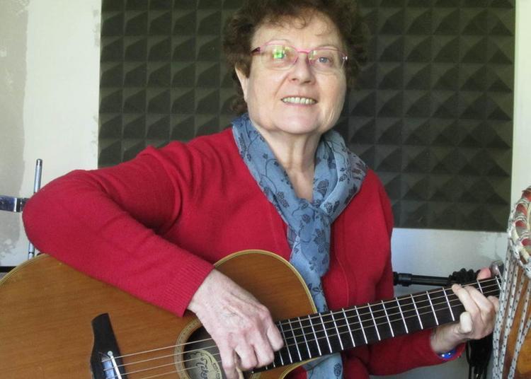 Maryvonne Hellec Et Sa Guitare à Batz sur Mer