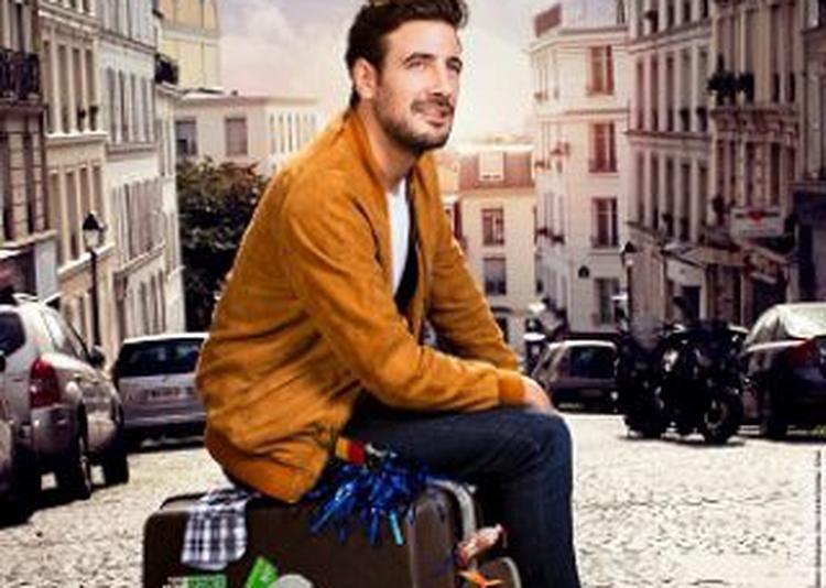 Maxime Gasteuil Arrive En Ville à Paris 17ème