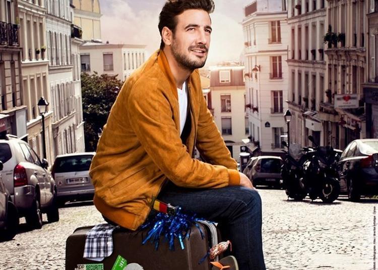 Maxime Gasteuil Arrive En Ville à Paris 7ème