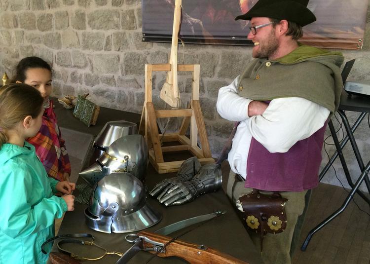 Mène l'enquête au château à Wintzenheim