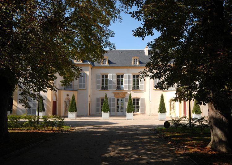 Menez L'enquête Au Château De Courcelles ! à Montigny les Metz