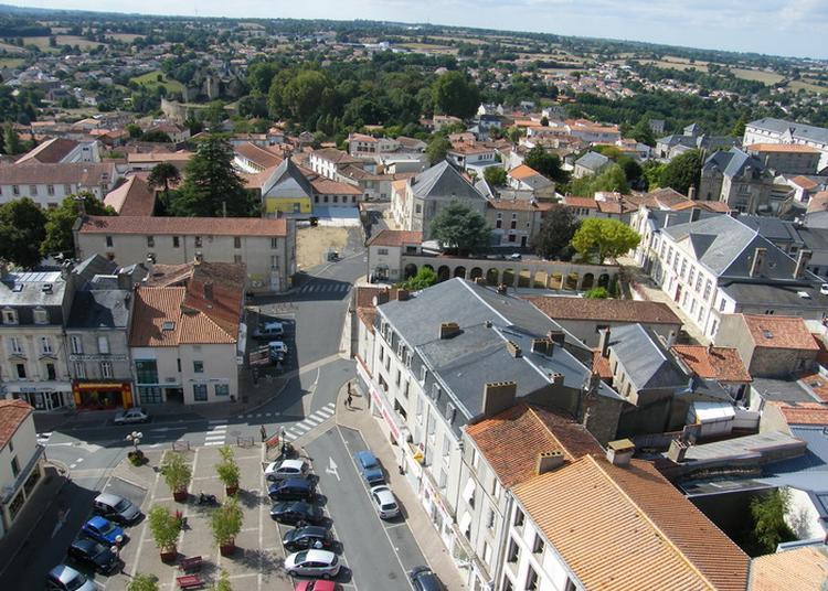 Montée Au Clocher De L'église Notre-dame De Bressuire
