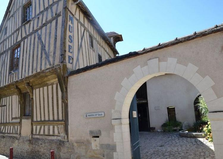 Musée Du Patrimoine Culturel à Saint-julien-du-sault à Saint Julien du Sault