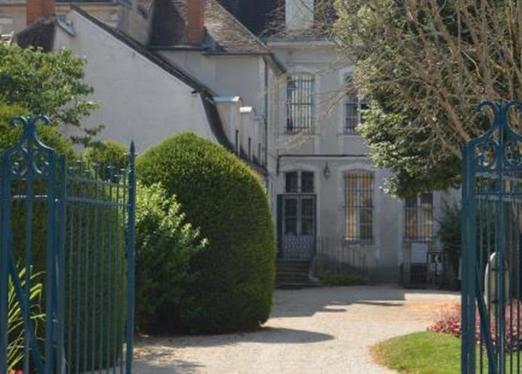 Laissez-vous séduire par le charme d'une demeure... à Auxerre