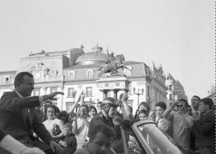 Notre Place De Jaude, De Vercingétorix à Gagarine, Avec Les Amis Du Vieux Clermont à Clermont Ferrand
