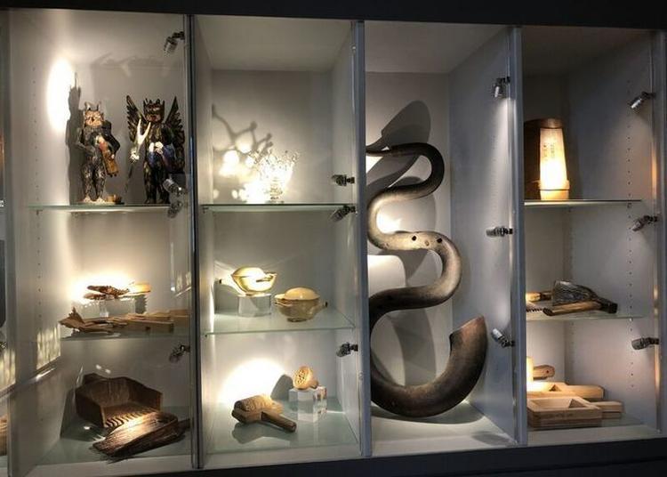 Nouveau Regard Sur La Collection D'ethnologie à Annecy
