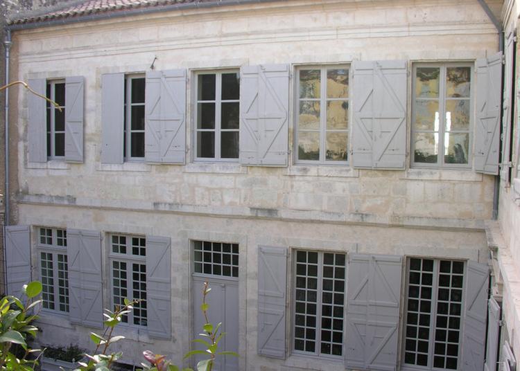 Ouverture Du Porche De L'hôtel Descamps à Lectoure
