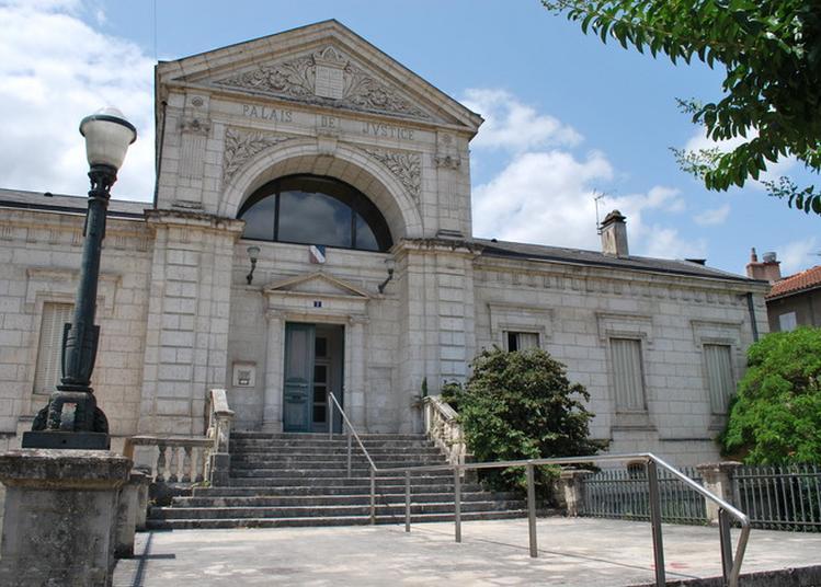 Palais De Justice à Figeac