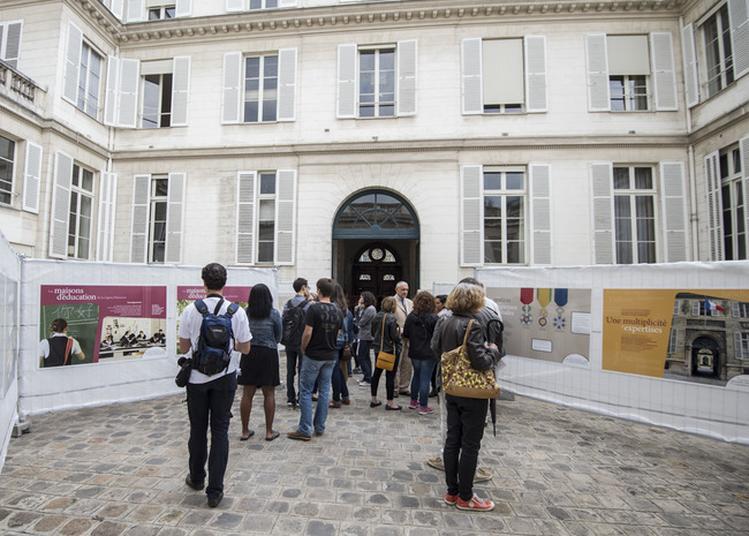 Panorama De La Grande Chancellerie De La Légion D'honneur à Paris 7ème